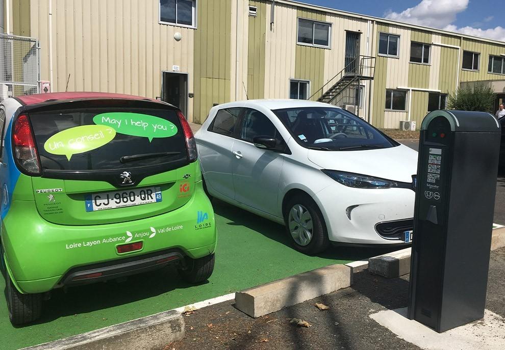 Borne de recharge voiture électrique - Grolleau